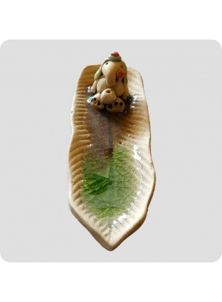 Incenseholder long leaf with elephant