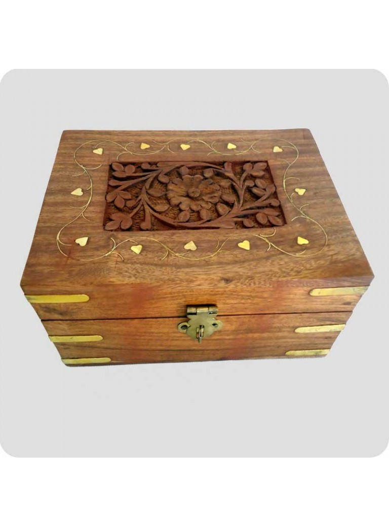 Wooden box with space for 12 bottles of oil